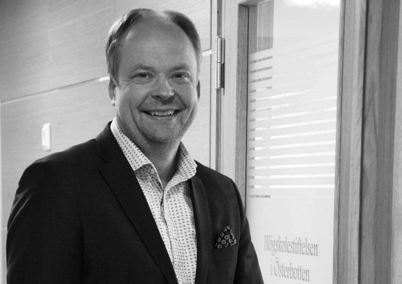 Kjell Blomqvist fortsätter ett år till som tf vd
